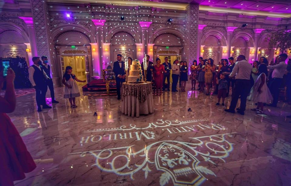 6 idei pentru amenajarea unei săli de nuntă cu efect WOW - Blog mobiliersalievenimente.ro